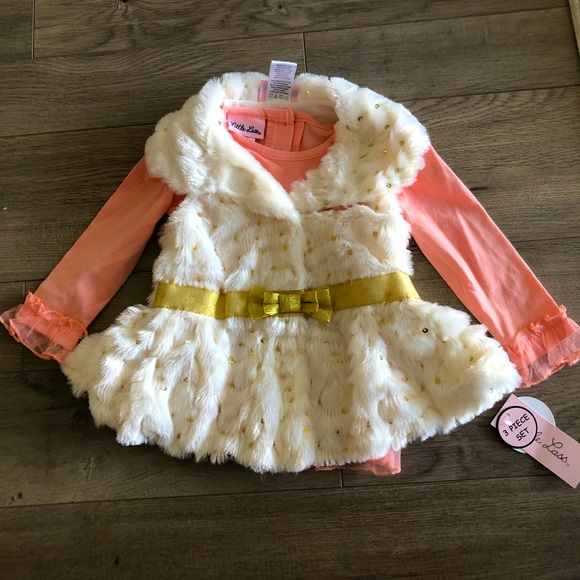 Baby girl faux fur vest with shirt and leggings